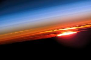 Encyclopédie environnement - haute atmosphère - levé soleil - upper atmosphere - sunrise