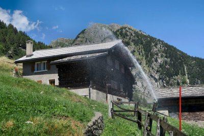 环境百科全书-冰川-传统灌溉技术