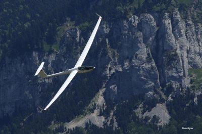 环境百科全书-阿基米德的浮力和升力-热气流让滑翔机提升高度
