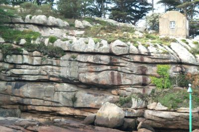 fractures granite - granites - ploumanac'h cote d'armor - encyclopedie environnement - fractures granite