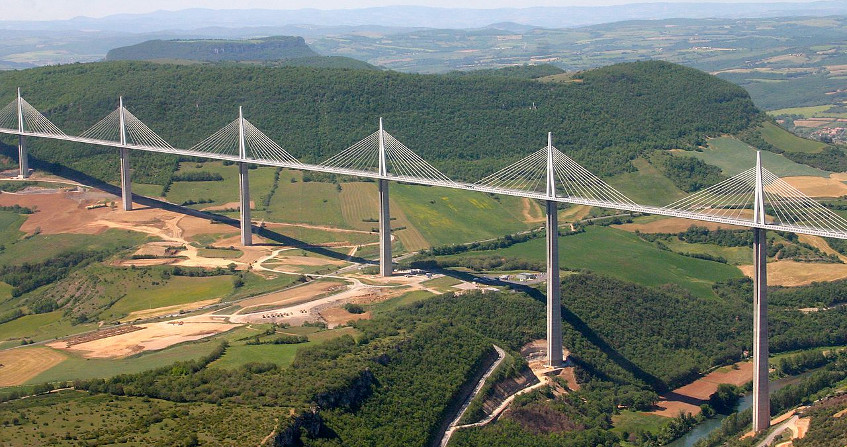 pont millau - encyclopedie environnement - fluids and solids