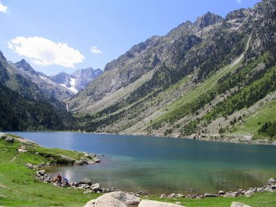lac gaube pyrenees - gaube lake - moutain lake