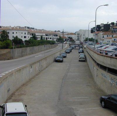 parking Riera de Sant Vicenç cadaques espagne - lit fluvial betonne